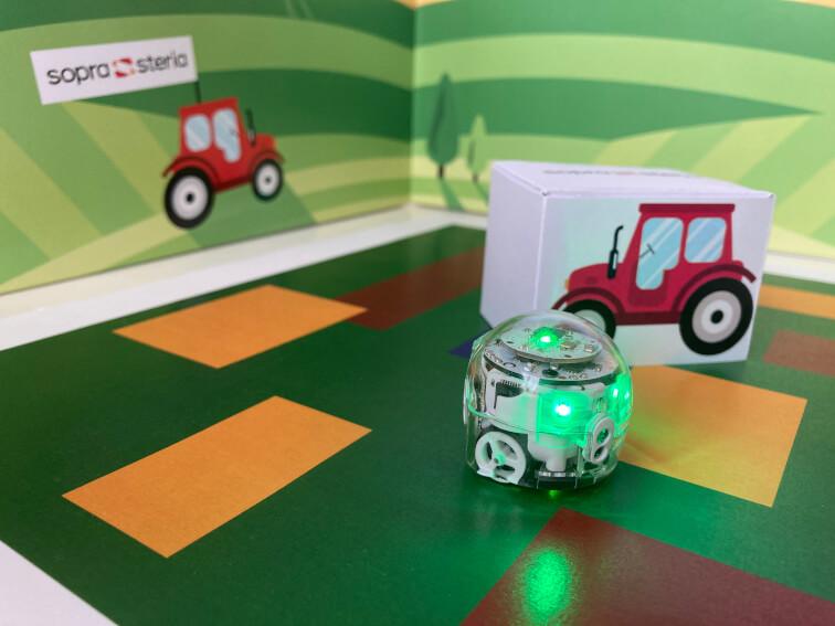 Girls'Day 2021: Ein Roboter als Farmer im 3D-Modell.